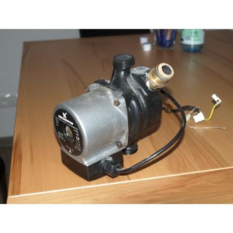 Umwälzpumpe Grundfos Typ UPS 15-35/50  230V /50Hz  A-1-5-1-2
